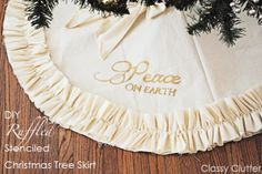 DIY Ruffled and Stenciled Tree Skirt- Looks like less work with the ruffles, i like it! Christmas Crafts For Kids, Christmas Projects, All Things Christmas, Holiday Fun, Christmas Holidays, Christmas Decorations, Christmas Ideas, Xmas, Christmas Wishes