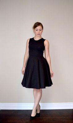 Perfect Little Black Dress Pattern   This little black dress pattern is perfect for every body shape!