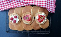 Cottage Cheese, Kefir, Gingerbread Cookies, Yummy Food, Healthy Recipes, Mat, Desserts, Tailgate Desserts, Ginger Cookies