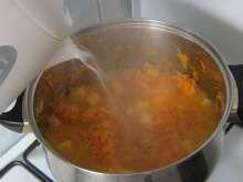 Jesenná zeleninová polievka • Recept | svetvomne.sk Chana Masala, Ethnic Recipes, Food, Essen, Meals, Yemek, Eten