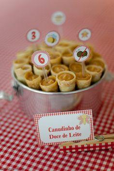 Festa PICNIC: Canudinho de doce de leite -http://www.quitandoca.com.br/?p=1631                                                                                                                                                      Mais