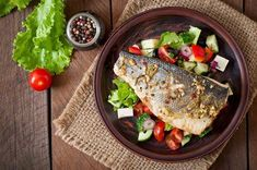 We should firstly question the ethics of the food industry feeding fish such an unnatural diet. This is the first instance which calls into question the permissibility of this fish. Detox Diet For Weight Loss, Liver Detox Diet, Detox Diet Recipes, Meat Delivery, Fish Feed, Cold Appetizers, Pureed Food Recipes, Le Diner, Brain Food