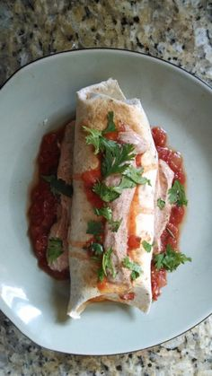 21 Day Fix - Chicken Chimichanga Lunch Day Fix Recipes Mexican) Clean Eating Recipes, Healthy Eating, Cooking Recipes, Healthy Recipes, Healthy Lunches, Healthy Foods, 21dayfix Recipes, Fixate Recipes, Yummy Recipes