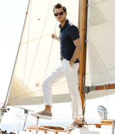 idk why, i just love pictures of preppy people on boats.  they make me feel so happy.  i don't sail, i don't wear polo, i don't own sperries, and i don't even find this guy attractive.  but preppy sail boat pictures ALWAYS GET ME!