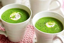 Speedy pea soup – Recipes – Slimming World If you think what are the bene… Slimming World Soup Recipes, Vegan Slimming World, Slimming World Dinners, Clean Eating Soup, Healthy Eating, Healthy Food, Vegetarian Recipes, Cooking Recipes, Healthy Recipes