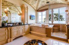 View 38 photos of this $23,888,000, 5 bed, 9.0 bath, 11049 sqft single family home located at 2729 Via Oleadas, Palos Verdes Estates, CA 90274 built in 2007. MLS # PV18085906.