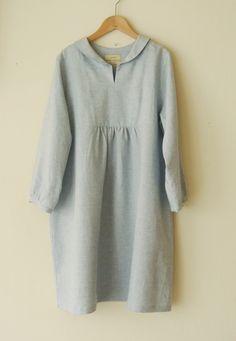 Linen Tunic Dress, Linen Dresses, Japanese Minimalist Fashion, English Dress, Hijab Fashion, Modest Fashion, Iranian Women Fashion, Pakistani Dresses Casual, Simple Dresses