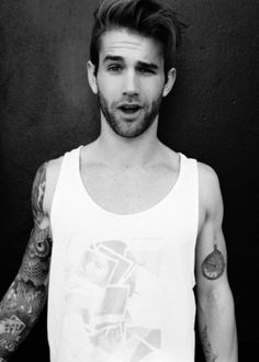 Men with tattoos <3