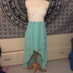 Blue and White Formal Dress (A51) Girly and preppy long dress perfect for a school dance. There are a couple small grease spots and pulled threads on the skirt and light piling on the top. Size large, runs small. Dresses Asymmetrical