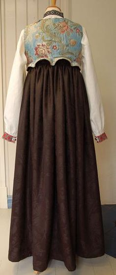 Folk Costume, Costumes, Going Out Of Business, My Heritage, Different Patterns, Norway, Scandinavian, High Waisted Skirt, Embroidery