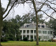 the house from The Skeleton Key - Felicity Plantation