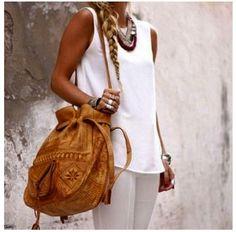 gorgeous vintage bag.