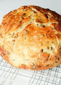 Grydebrød aka verdens bedste brød - smagsfuldt og sprødt brød, perfekt til alle lejligheder