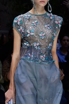 Giorgio Armani Spring 2020 Ready-to-Wear Collection - Vogue 2020 Fashion Trends, Fashion 2020, Fashion Show, Fashion Outfits, Womens Fashion, Fashion Fashion, Giorgio Armani, Style Oriental, Oriental Fashion