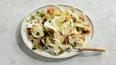 This fennel salad recipe is an antidote to every side salad that ever was. Instead of meh greens, it's got shavings of crunchy fennel that bend and twist.