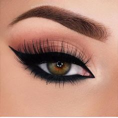 Why not take a look at the eyeliner trends of spring? Pictures of beautiful eyeliner are waiting for you. Don't forget to share with us what photo you like. Makeup Eye Looks, Eye Makeup Art, Smokey Eye Makeup, Pretty Makeup, Skin Makeup, Eyeshadow Makeup, Glitter Eyeshadow, Smoky Eye, Eyeshadow Palette