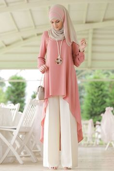 - Rabia Şamlı - Gül Kurusu Beyaz Mira Takım Stylish Dress Designs, Designs For Dresses, Stylish Dresses, Girls Fashion Clothes, Modest Fashion, Fashion Dresses, Muslim Women Fashion, Islamic Fashion, Moslem Fashion