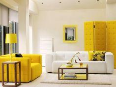 zimmerfarben weißes interieur gelbe elemente