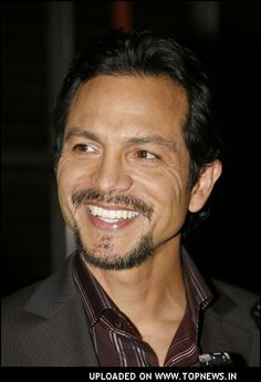 Benjamin Bratt... totally better with the mustache.