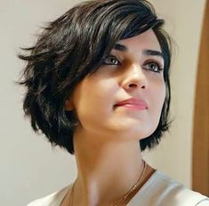 13 kurze braune Frisuren für Frauen 13 Short Brown Hairstyles for Women, Short brown hairstyles for women are easy to style and even easier to wear. It refers to a variety of short haircuts that typically contain many laye…, Short Hair Colors - Farbige Ha Short Hairstyles For Women, Easy Hairstyles, Popular Hairstyles, Hairstyle Short, Layered Hairstyles, Hairstyles 2016, Short Hair For Women, Beautiful Hairstyles, Medium Hairstyles