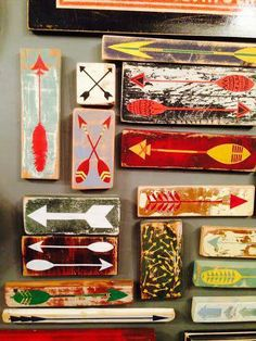 🌟Tante S!fr@ loves this📌🌟Scrap arrow painting @ Pop Cycle! Arrow Painting, Lodge Look, Booth Decor, Arrow Decor, Vintage Cabin, Lake Art, Lodge Decor, Crafty Projects, Wood Art
