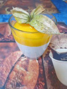 Pfirsich-Quark-Träumchen im Glas von www.Landhaus-rezepte.de Thermomix Desserts, Little Chef, Punch Bowls, Glass, Party, Image, Quark Recipes, Sweet Desserts, Peaches