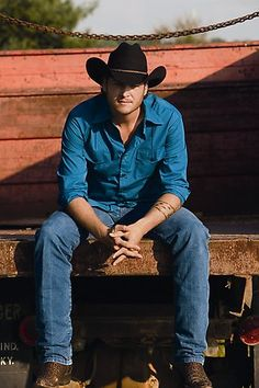 blake shelton :) Luv in Country! Miranda Blake, Blake Shelton And Miranda, Country Music Artists, Country Singers, Blake Sheldon, Musica Country, Gwen Stefani And Blake, Hot Country Boys, Hot Cowboys