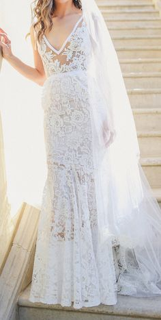 Gorgeous gown by Inbal Dror