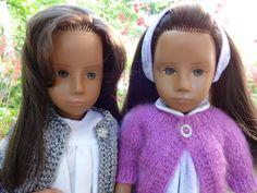 zwei brunette Schönheiten