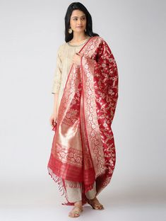 Red Benarasi Katan Silk Dupatta Benarasi Dupatta, Silk Dupatta, Divine Mother, Indian Wedding Outfits, Sarees, Cool Designs, Balloons, Kimono Top, Trends
