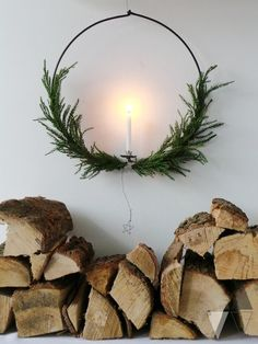 Large wreath for a Swedish Christmas: Magical oversized candle Christmas wreath Swedish Christmas savours natural smells, soft materials, mood lighting and lots of greenery. Bring nature into your home with these Swedish decor tips! Decoration Christmas, Noel Christmas, Christmas Candles, Winter Christmas, Christmas Wreaths, Xmas, Advent Wreaths, Natural Christmas Decorations, Scandinavian Christmas Decorations