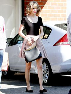 Taylor Swift goes retro for her ballet dance class on Feb. 14.