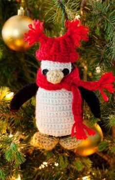 FROM RedHeart.com: Little Penguin Ornament. FREE pattern. Isn't he adorable?