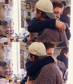 Awww! Elijah Wood and Sean Astin