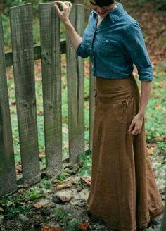 Brown linen skirt and denim shirt modest clothes & accessori Modest Dresses, Modest Outfits, Skirt Outfits, Modest Fashion, Dress Skirt, Fall Outfits, Cute Outfits, Fashion Outfits, Apostolic Fashion