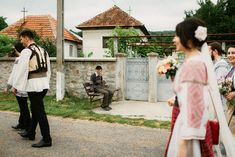 Andreea-Cezar-traditional romanian wedding_land of white deer (93)