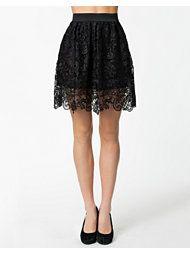 I don't like black skirts, but...