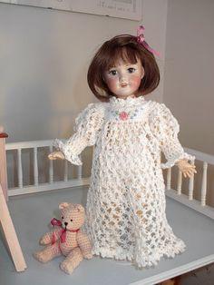 By Hook, By Hand: crochet pattern;  She has so many free patterns on her site!