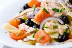 Φαρφάλες με ντοματίνια, τόνο και μυρωδικά - Γρήγορες Συνταγές | γαστρονόμος online
