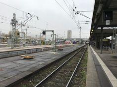 Ein heller Stern am grauen Himmel über Stuttgart.