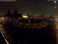 Meteor passes over Mexico City followed by loud explosion