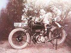 old motorcycle FN Racing Motorcycles, Vintage Motorcycles, Old Photos, Vintage Photos, Old Bikes, Bike Parts, My Favorite Image, Historical Photos, Motorbikes