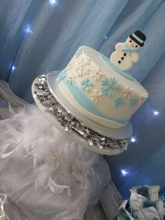 Madeline C's Christmas/Holiday / Winter - Photo Gallery at Catch My Party Winter Parties, Holiday Parties, Party Treats, Party Cakes, Winter Wonderland Birthday, Winter Christmas, Christmas Ideas, Bridal Shower Cakes, Holiday Cakes