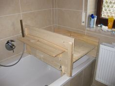 Changing top bathtub hamburg for yourself build bath cover construction instructions for self-winding baby changing. Wood Bathtub, Diy Bathtub, Vintage Home Decor, Diy Home Decor, Bathtub Cover, Bath Table, Build Your Own, House Colors, New Homes