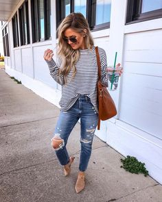 """Amanda 💁🏼 on Instagram: """"The coziest striped pullover for 30% OFF today 🙌🏼🙌🏼 And let me tell you - I've tried on about 50 different pairs of Mom Jeans and THESE are…"""" Southern Prep, Prepping"""