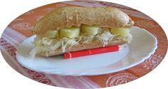 Zuurkool en ananas op brood of broodje