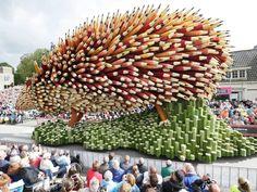Bloemencorso in Zundert. Ter ere van Vincent van Gogh | Foto's Joyce van Belkom/Het Fotoburo