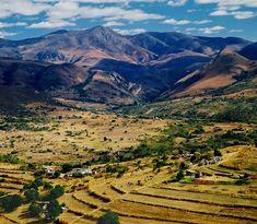 Swazi countryside ~ Northwest Highlands, Kingdom of Swaziland [photo by Tan Yilmaz, San Franciso, California]....