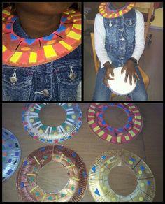 Afrikanischer Schmuck aus Pappteller Thema Afrika Pappteller bemalt und mit Moosgummi verziert