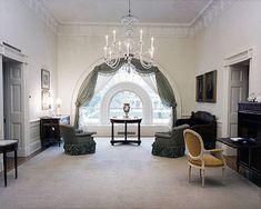 white house kennedy sitting room
